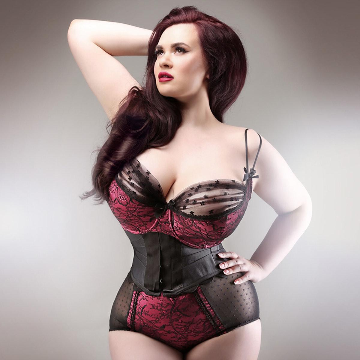 Curvy Antoinette Bra