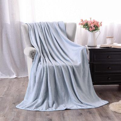 Exclusivo Mezcla Luxury Flannel Throw