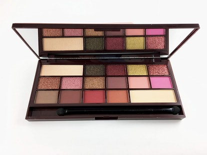 Makeup Revolution Eyeshadow Palette, Rose Gold Chocolate Bar