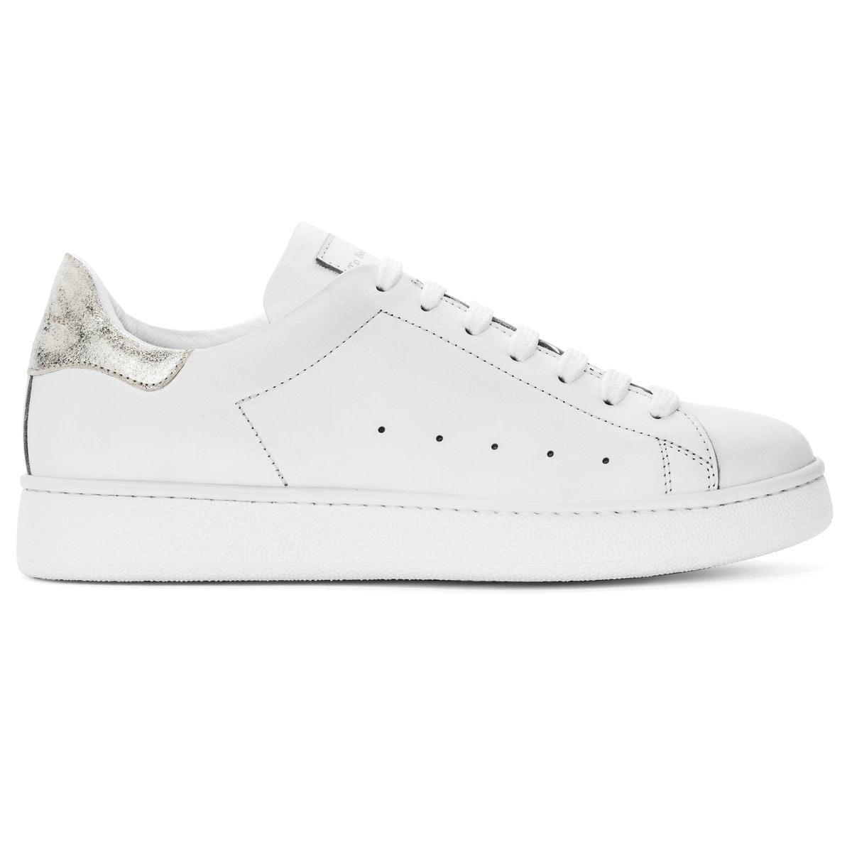 Cara Sneakers
