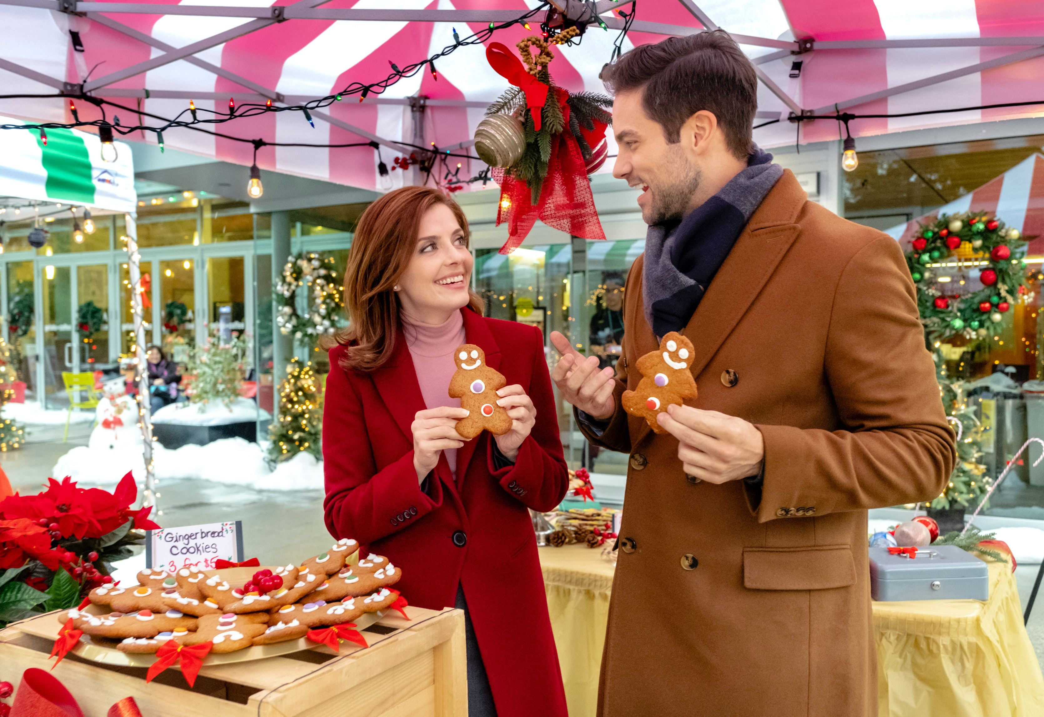 Hallmark Christmas In July 2019.Hallmark Channel S 2019 Christmas Movie Lineup Will Be Its