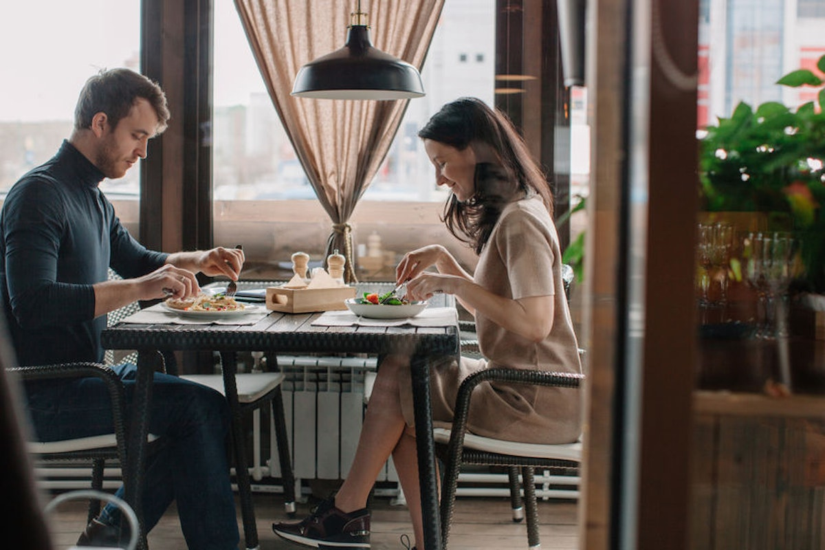 Do People Care About Who Pays On A Date? Here's What Experts Have To Say