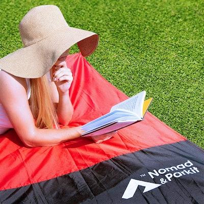 Nomad & Parkit Pocket Blanket