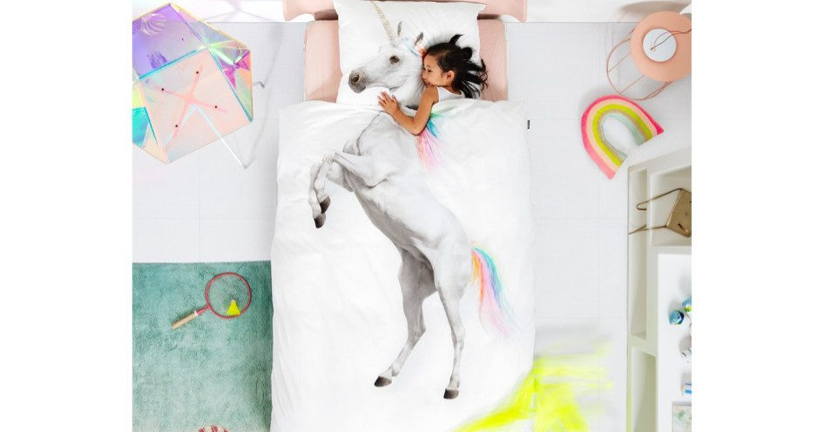 "The Snurk Unicorn Duvet Is The Ultimate Way To Literally ""Ride"" Off To Dreamland"