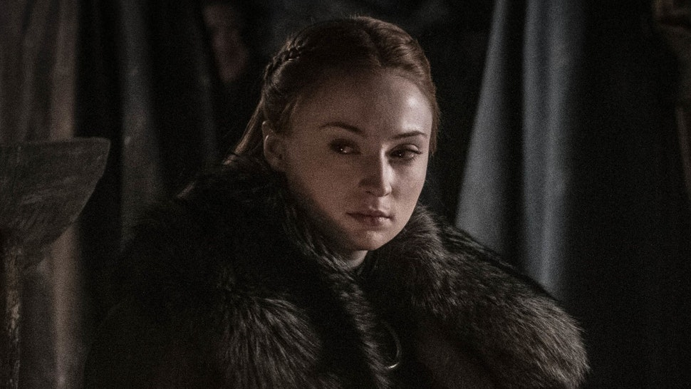These 7 Signs Sansa Wins The Iron Throne Show Her 'Game Of