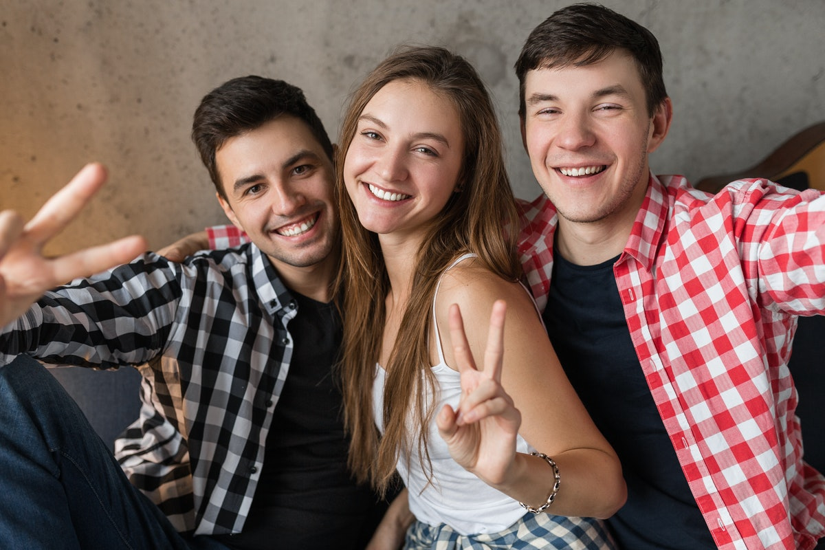 9 Benefits Of Having All Brothers That Make You One Lucky Sis