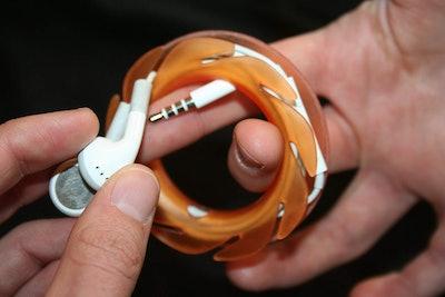 The Loop Earbuds Holder
