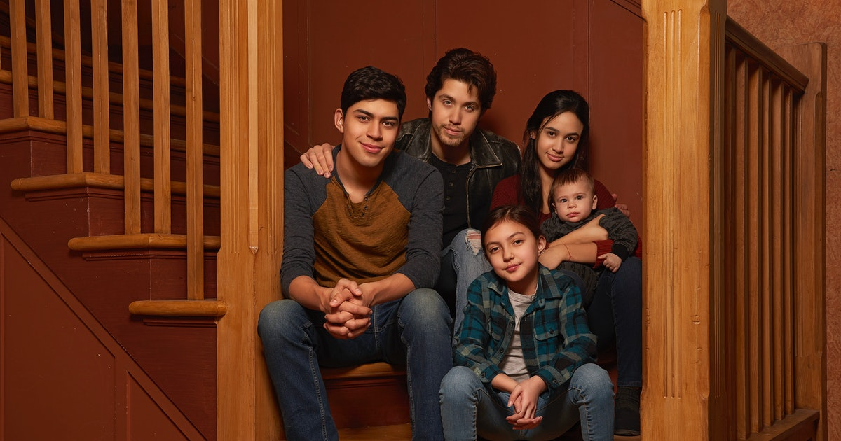 The 'Party Of Five' Trailer Shows The Reboot Is More Relevant & Heartbreaking Than Ever — VIDEO