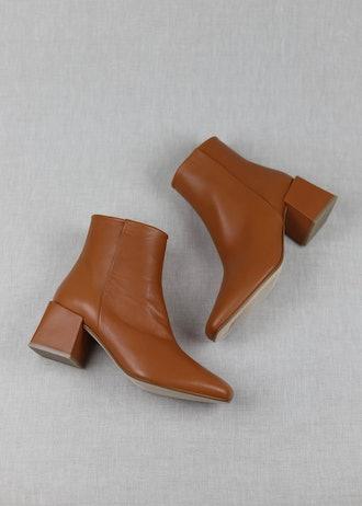 Lazaro in Cuero Leather