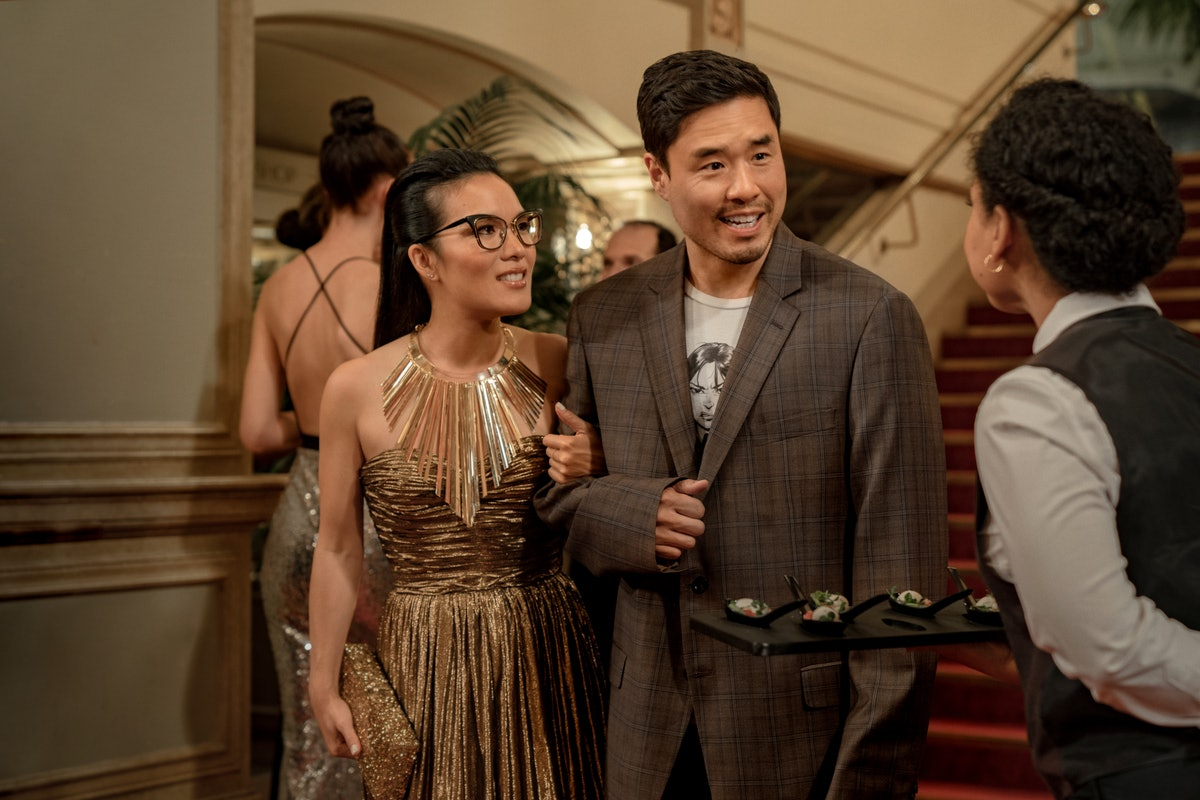 Netflix's 'Always Be My Maybe' Trailer Teases A Keanu Reeves, Ali Wong, & Randall Park Love Triangle — VIDEO
