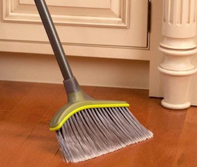 Casabella Wayclean Wide Angle Broom