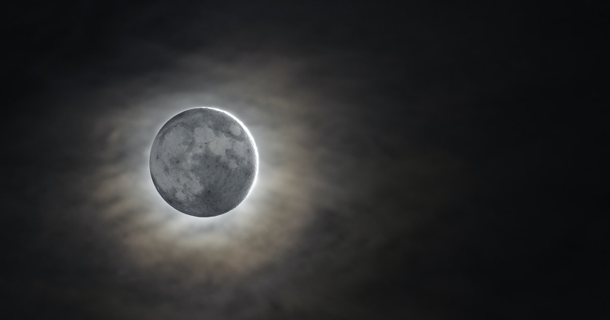 what does the new moon signify