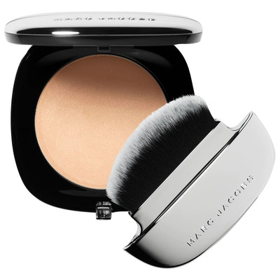 Accomplice Instant Blurring Beauty powder