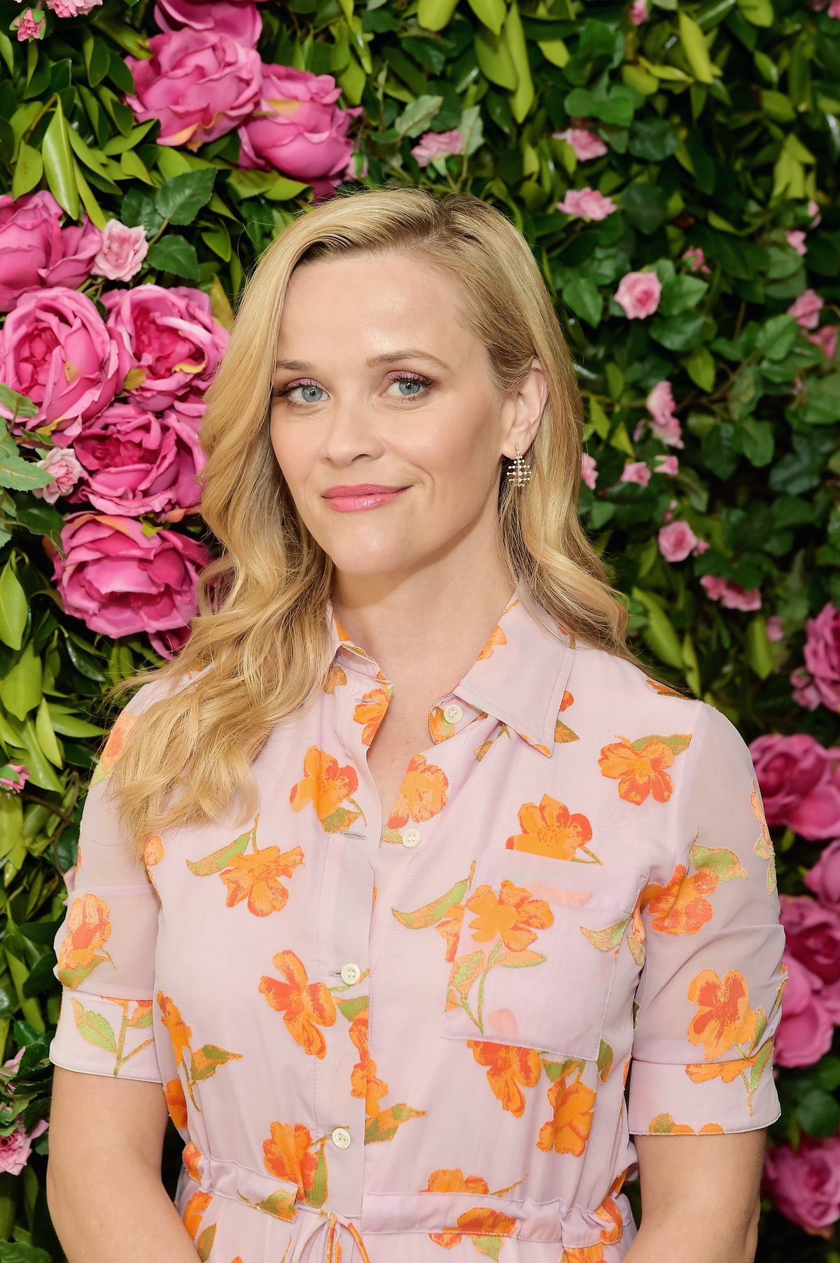 Reese Witherspoon Shares Her Favorite Elle Woods Look & The '90s Beauty Trends She Regrets