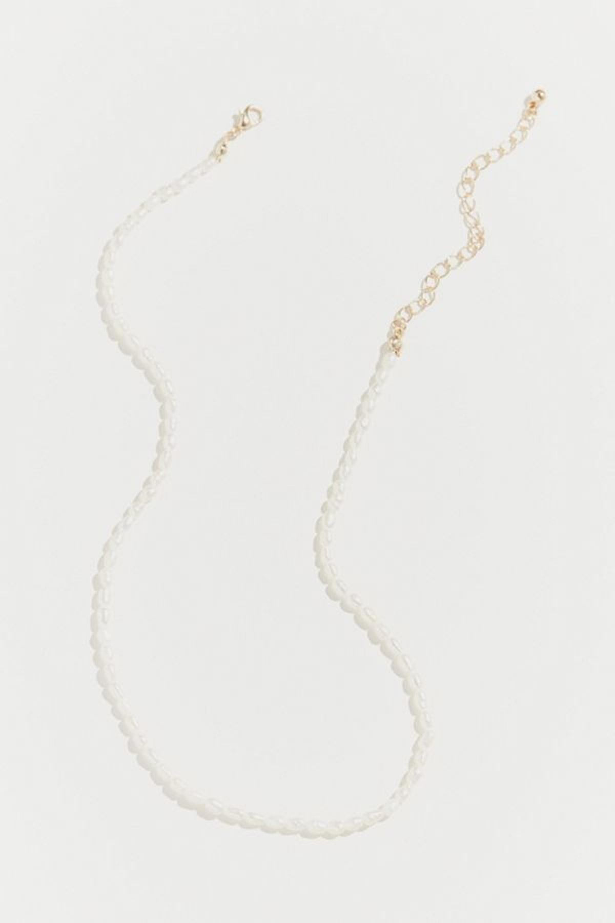 Lara Delicate Pearl Necklace