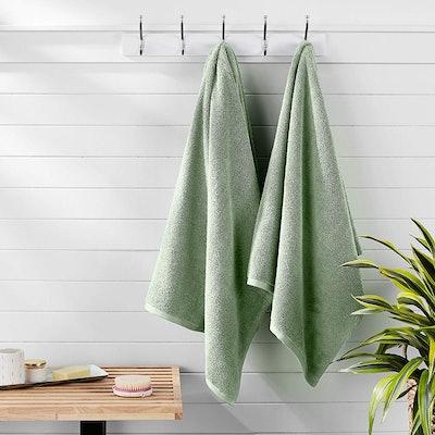 AmazonBasics QuickDry Bath Towels (Set of 2)