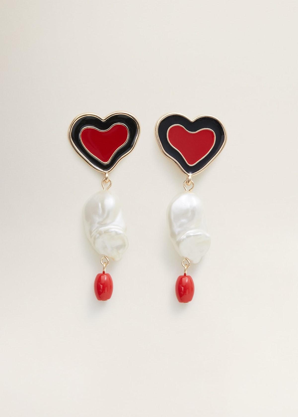 Heart-shape pearl earrings