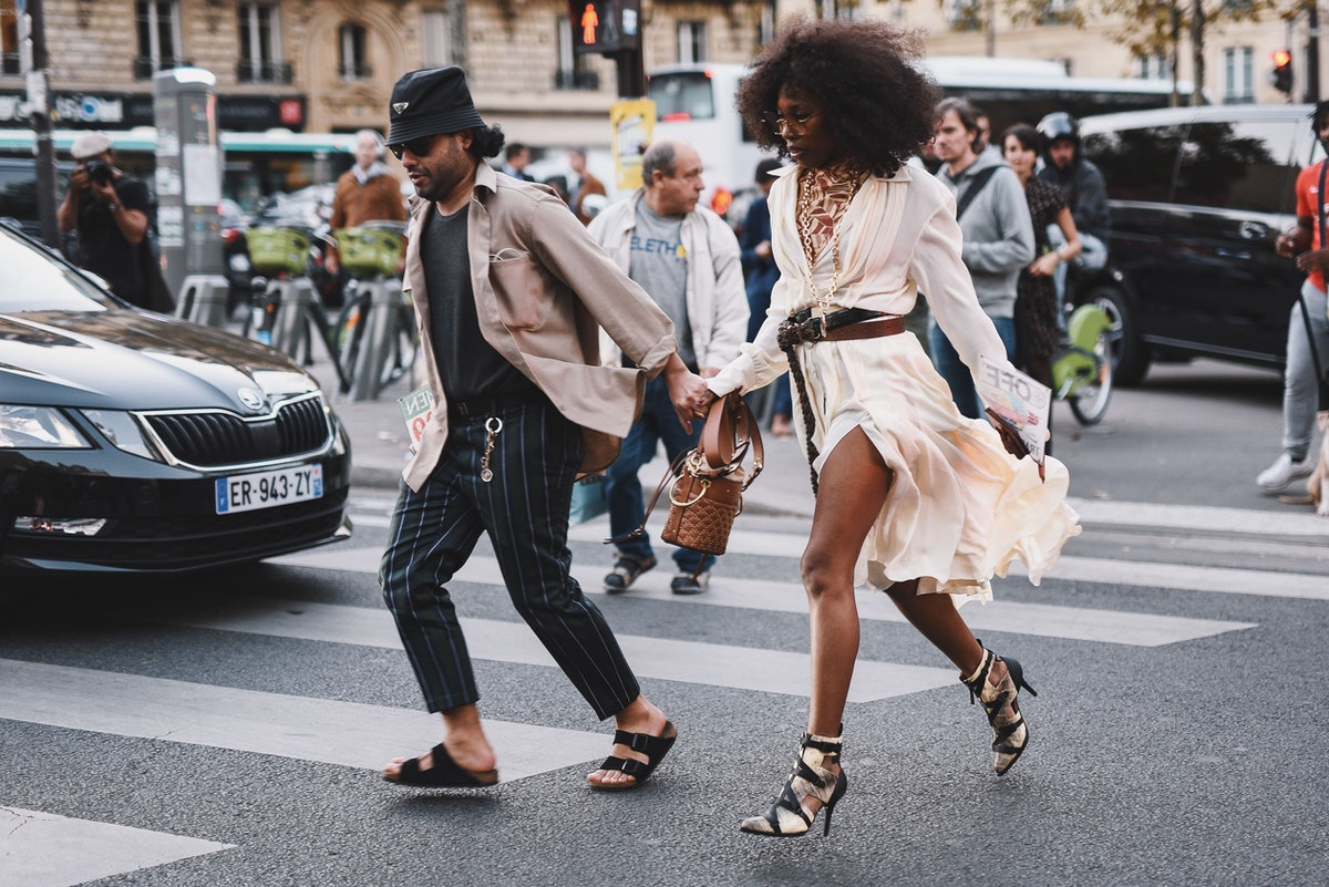 9 Summer Outfits With Ankle Boots, Because Not Everyone Is A Sandals Person