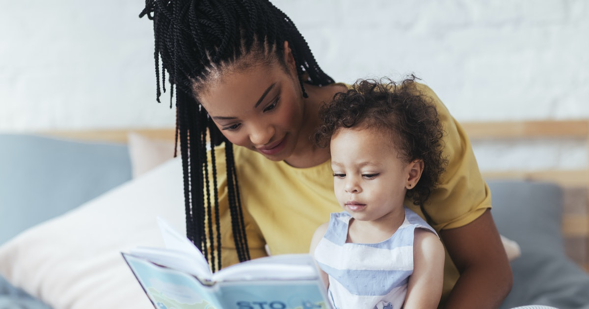 New Study Shows How Reading With Your Toddler Is Beneficial For Parents, Too