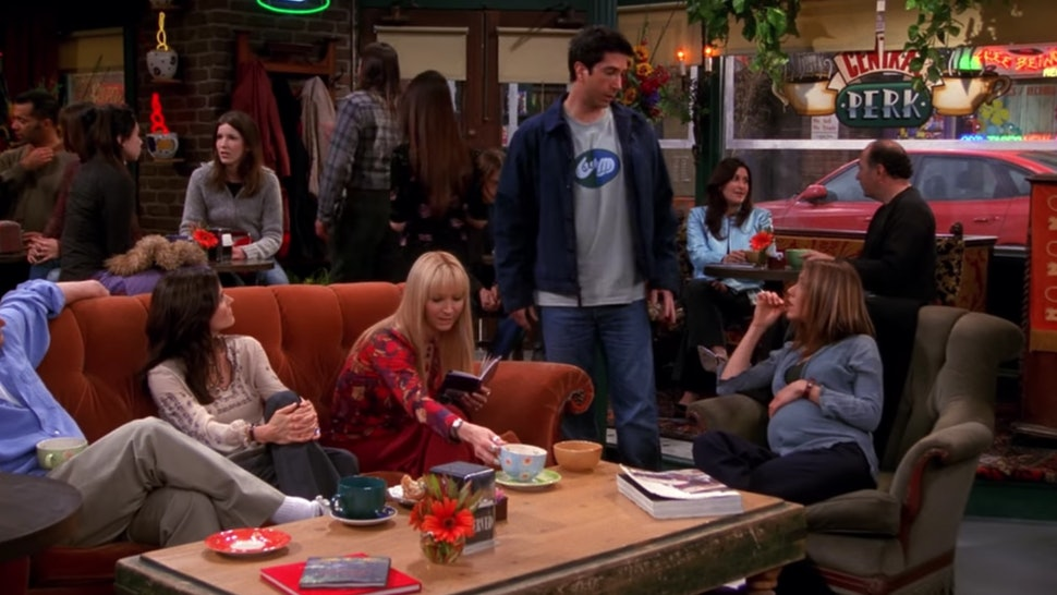 Ross' T-Shirt In This 'Friends' Episode Was A Total Easter Egg