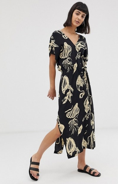 Weekday printed v-neck midi dress with tie waist detail in ink shell print