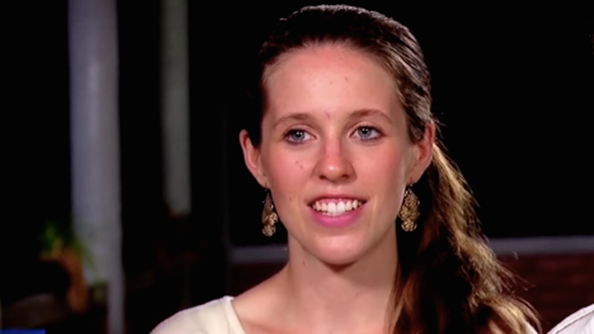 """Jill Duggar Pregnancy Rumors Are Swirling After She Shared A Photo Fans Think Hides A """"Bump"""""""