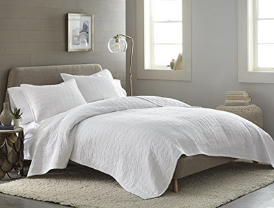 Chezmoi Collection Solid Cotton Quilt And Shams