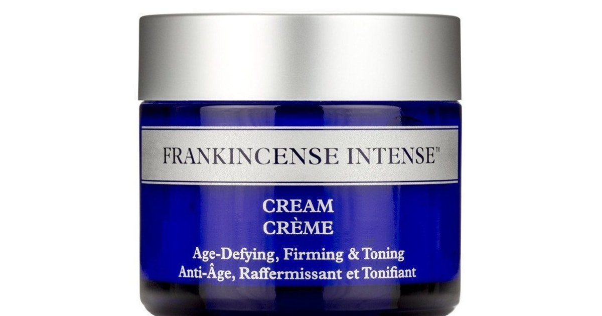"""Frankincense Oil Is Like """"Liquid Gold"""" For Your Face"""