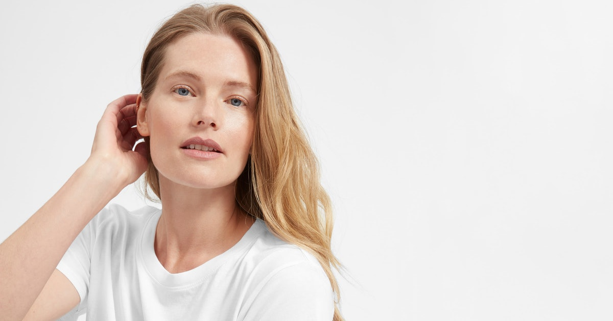 10 White T-Shirts For Women That Reviewers Can't Stop Raving About