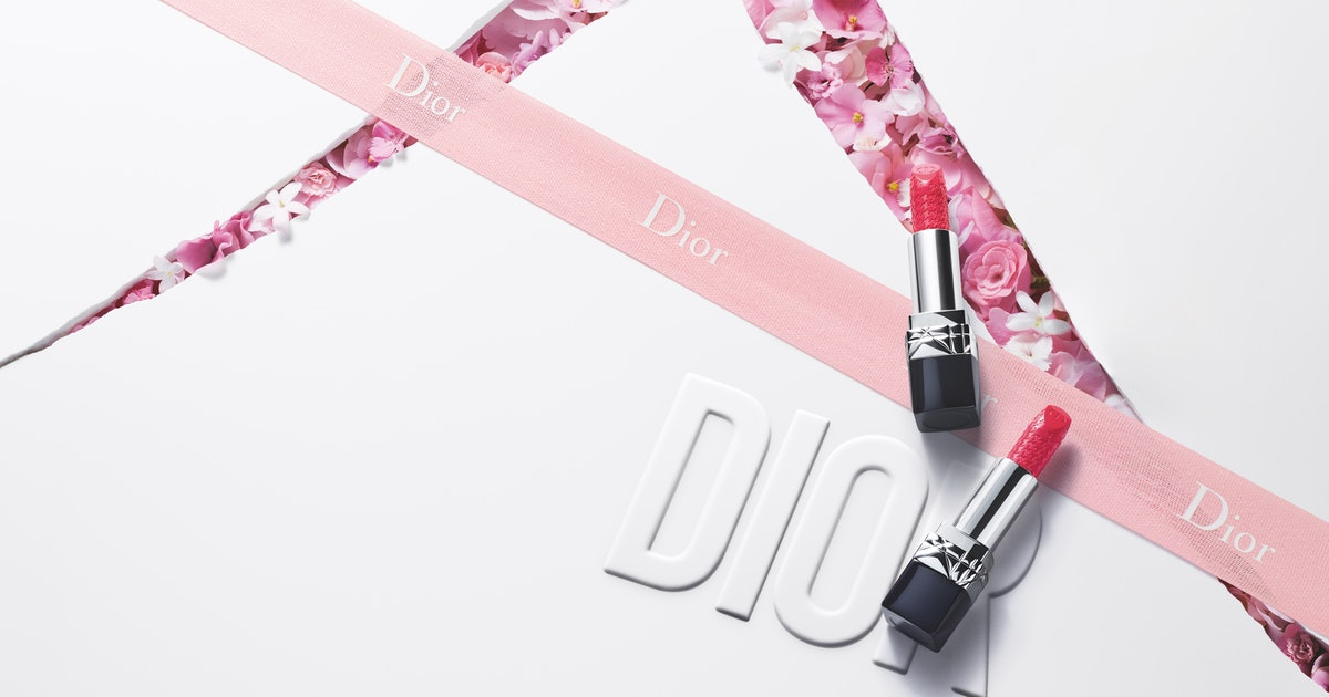 The Rouge Dior Limited Edition Couture Colour Lipstick Matches The Miss Dior Fragrance & It's So Chic