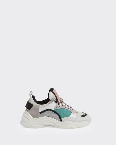 Curve Runner Sneakers