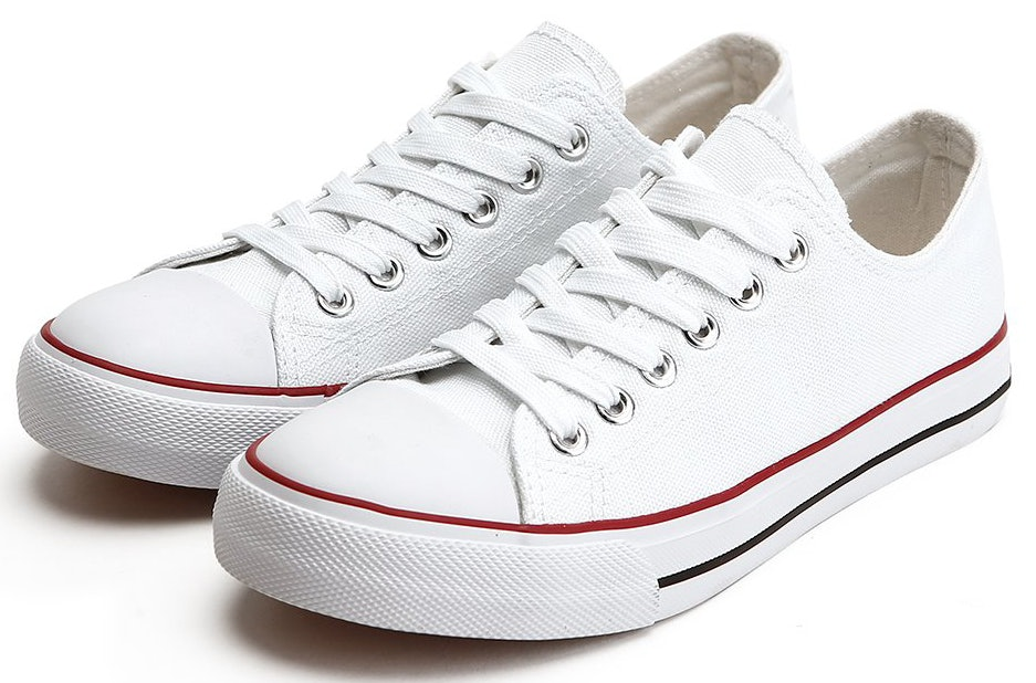 ef638c2efe84e The 17 Best White Sneakers For Women