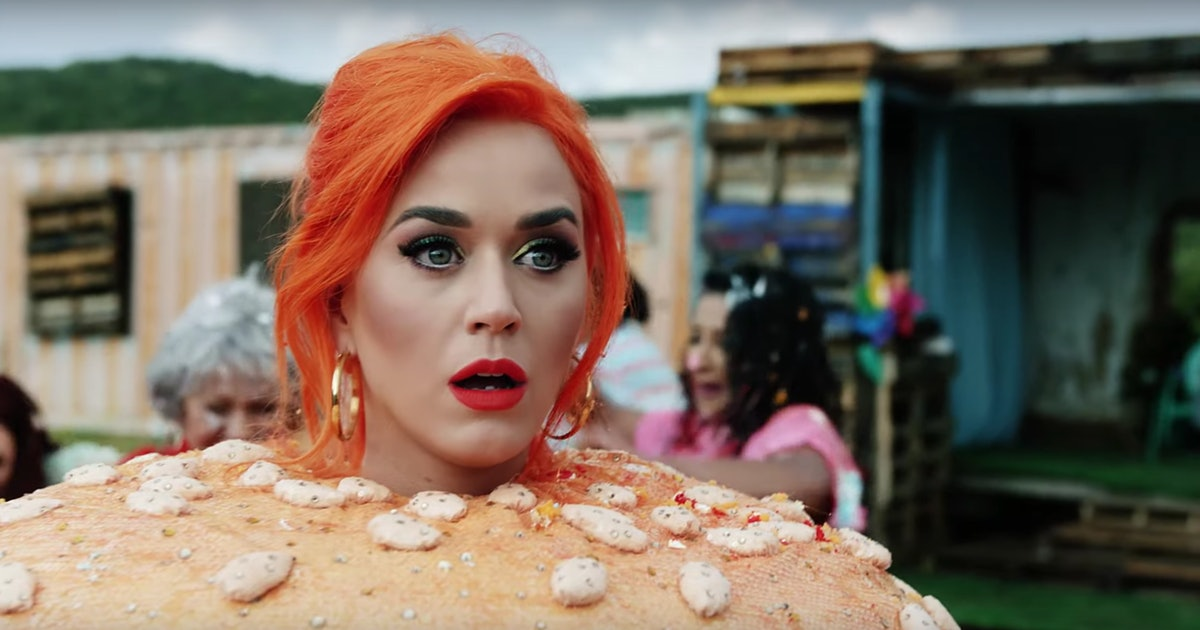 "Katy Perry's ""You Need To Calm Down"" Cameo Proves There's ""No Beef"" Between Her & Taylor Swift — VIDEO"