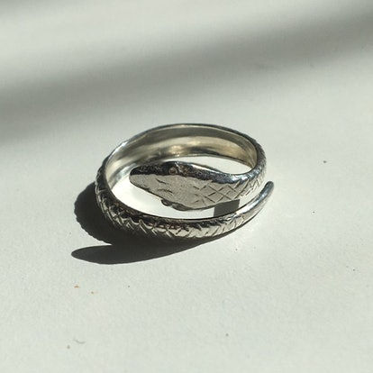Hiss Ring in Sterling Silver