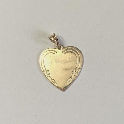Love U Babe in 10k Gold