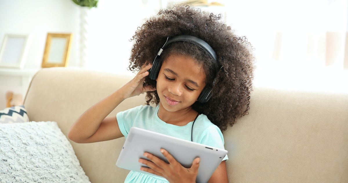 10 Podcasts For Kids That Will Have Them Begging For Quiet Time