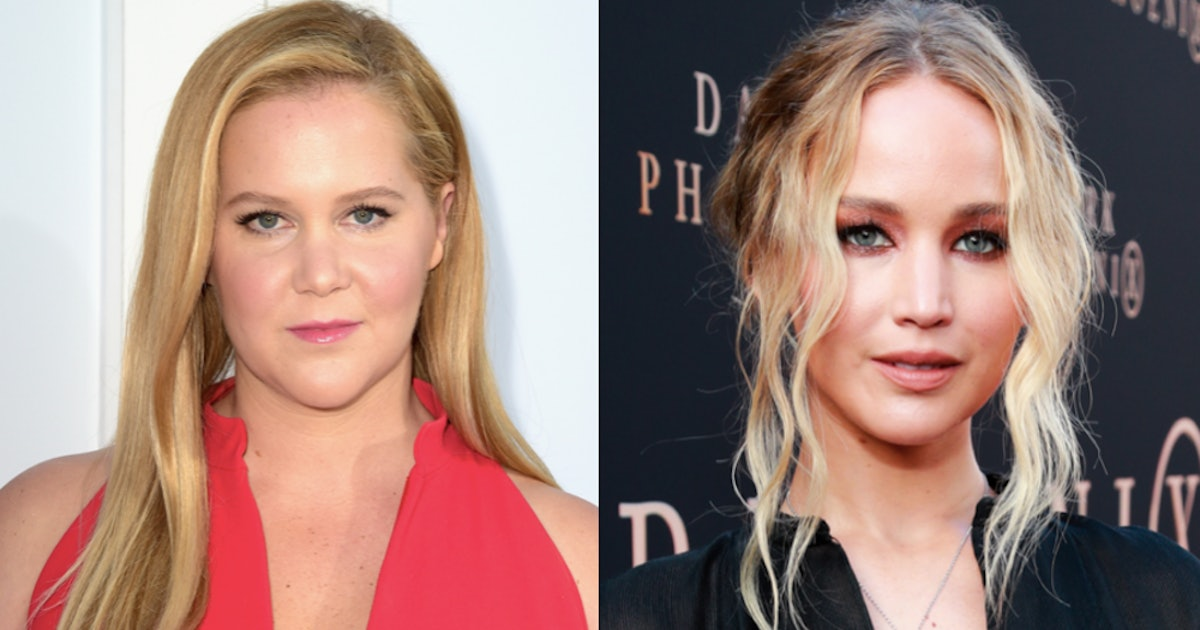 Jennifer Lawrence's Texts To Amy Schumer About 'The Handmaid's Tale' Are Hilariously Urgent — PHOTO