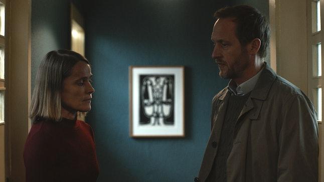 The 'Dark' Season 1 Recap You Need Before The Ultra-Confusing