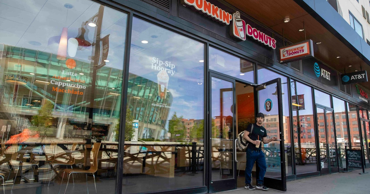 Grubhub and Dunkin' just partnered for nationwide delivery, so you can get coffee without leaving the house