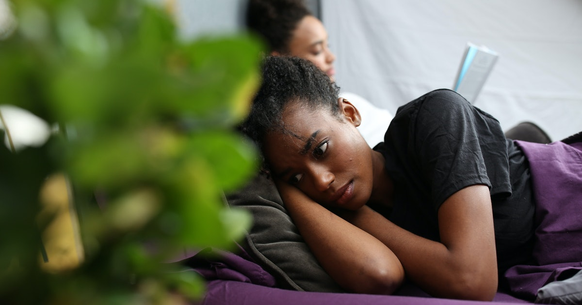 Is My Partner Emotionally Unavailable? 7 Signs They Are Absent From The Relationship