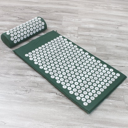 Sivan Pain Relief Acupressure Mat and Pillow Set