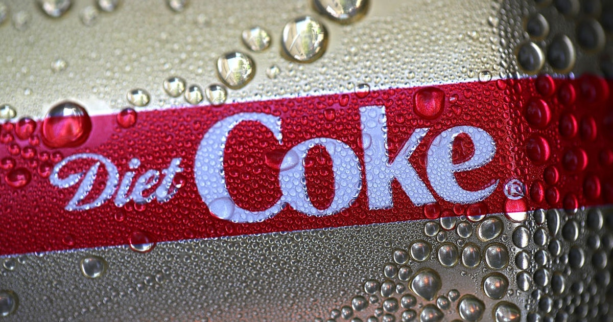 Trump Loves Diet Coke So Much He Has A Button That Orders It For Him