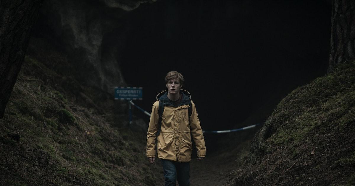 When Does 'Dark' Season 3 Premiere? Creator Baran Bo Odar Has The Whole Show Mapped Out