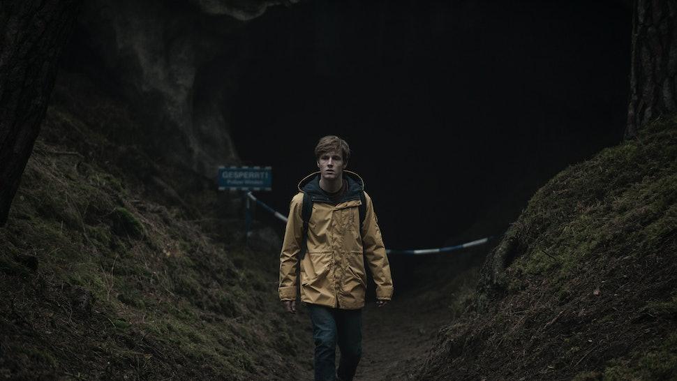 When Does 'Dark' Season 3 Premiere? Creator Baran Bo Odar Has The ...