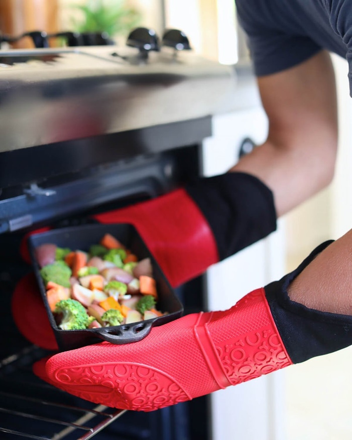 Homwe Extra-Long Silicone Oven Mitts