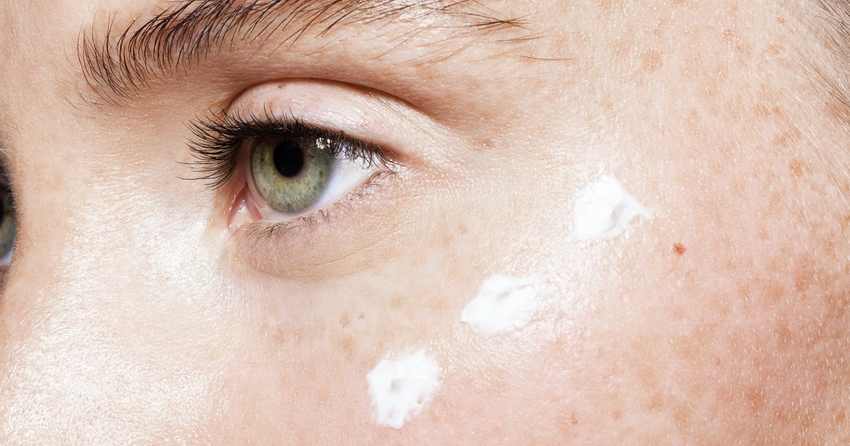8 Home Remedies For Clear Skin That Are Natural & Cheap