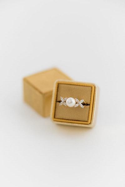 Velvet Wedding Ring Box