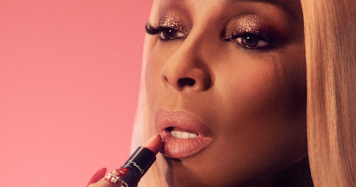 MAC Cosmetics' Mary J. Blige Love Me Lipstick Is The Perfect 24/7 Shade — Here's Why