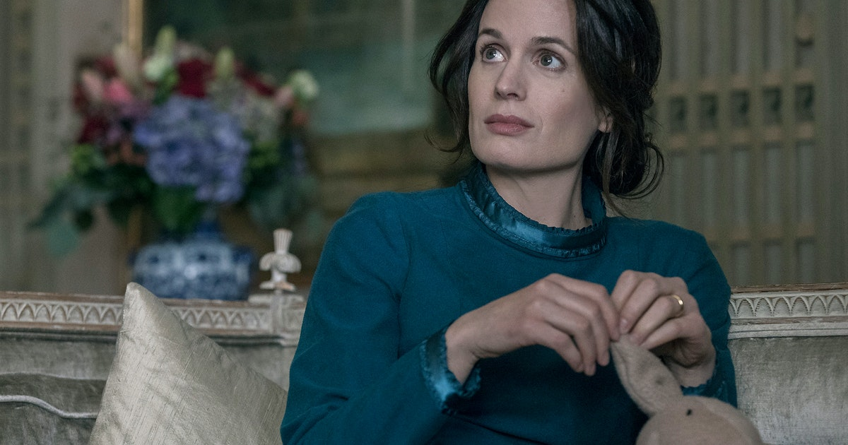 Who Plays Olivia Winslow On 'The Handmaid's Tale'? Elizabeth Reaser Brings New Horrors To Gilead