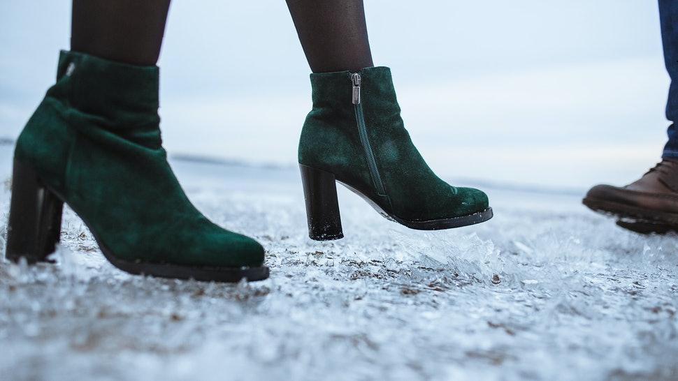 5a5d5fe4e7488 7 Hacks To Make Boots Slip-Proof So You Can Survive Winter Weather ...